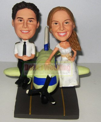 Pilot bobblehead cake toppers with plane 554