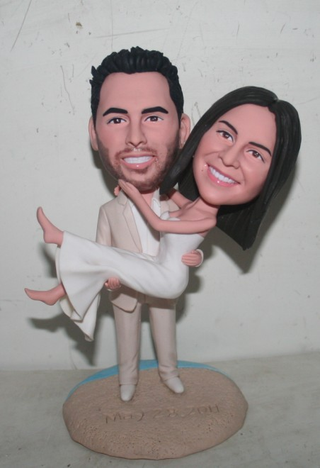 bobblehead cake toppers- Pick up bride 10853