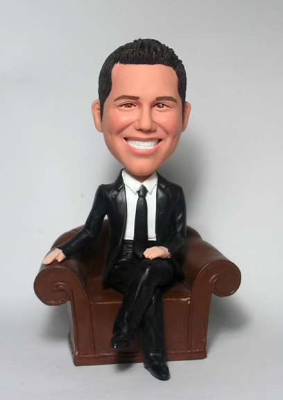 Boss sit on couch bobbleheads BM80