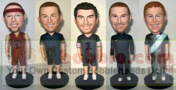 custom bobbleheads for groomsman- bridesmaid