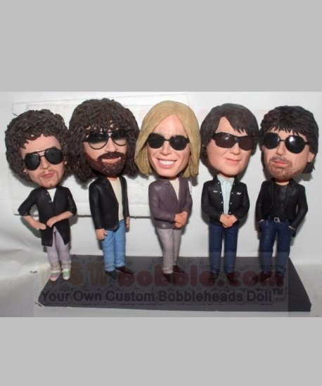 Fully customized bobbleheads for 5 persons