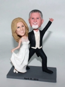 Custom wedding bobbleheads dancing