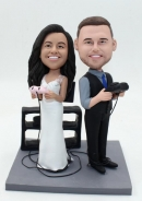 Groom & bride playing games wedding bobbleheads
